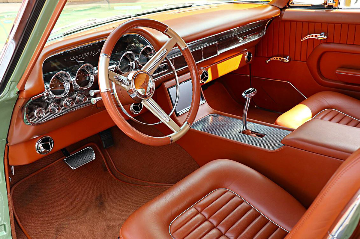 Hot August Nights – 1961 Ford Starliner